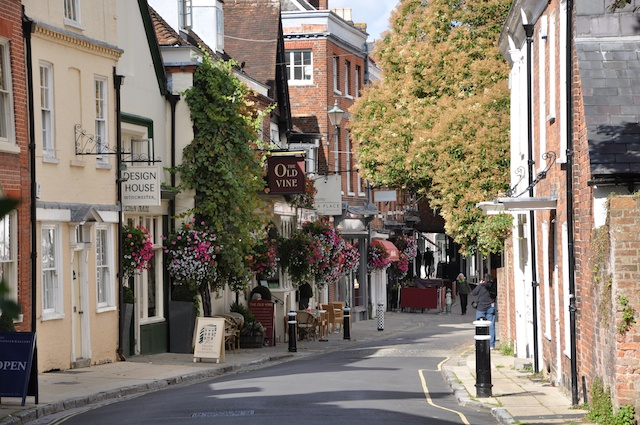 Entertablement Abroad – Winchester