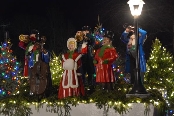 Cape Cod Christmas LIghts Falmouth-14