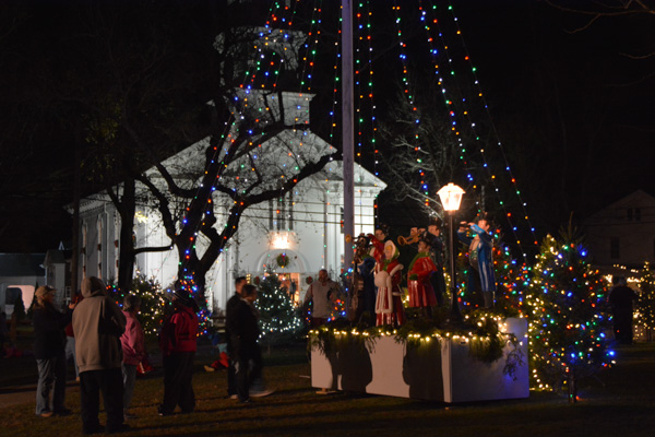 Cape Cod Christmas LIghts Falmouth-7
