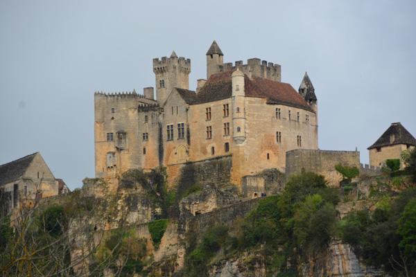 Entertablement Abroad – Chateau de Beynac & Chateau de Castlenaud