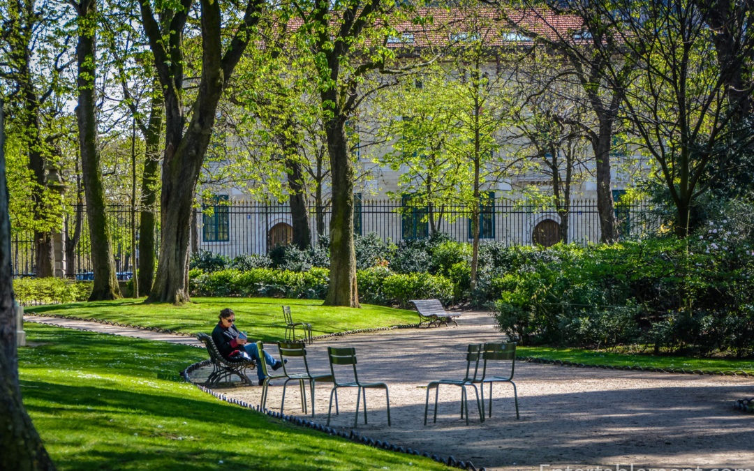 Entertablement Abroad – Paris in the Spring