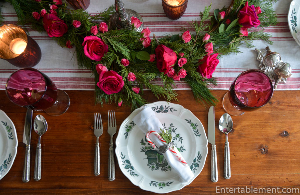 A Romantic Rose Garland For Christmas Entertablement